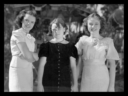 Judy Garland and Deanna Durbin welcome Patricia Palmer to the set of Every Sunday (1936)