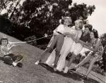 judy-garland-with-children_1937_dm