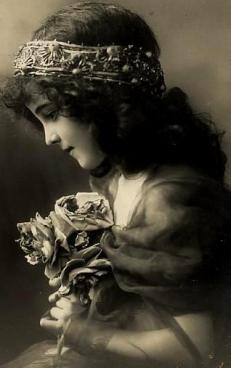 girl-with-roses-1-fh-d30