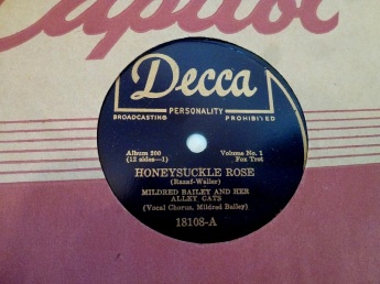 1940 Honeysuckle Rose-Mildred Bailey and her Alley Cats-(Canadian) Decca 18108-A (50p-d25)