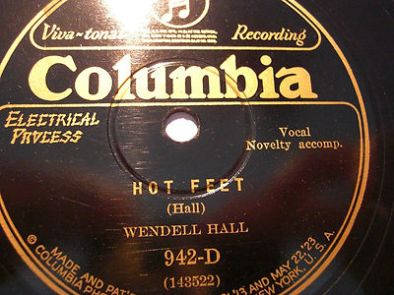1927-Hot Feet (Hall)-Wendell Hall-Columbia 942-D