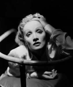 Marlene Dietrich-1-sm