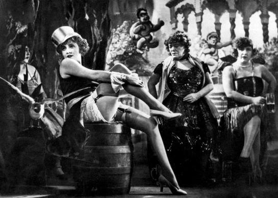 Marlene Dietrich-Der blaue engel (Blue Angel)_02-f5sh20