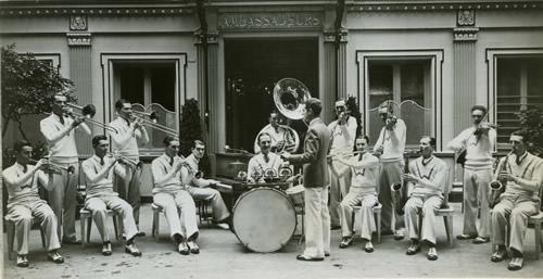 Waring's-Pennsylvanians-in Paris-Ambassadeurs-1928