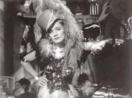 1932-Blonde-Venus-Marlene-Dietrich-09