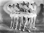 42nd-street-chorus-girls-furs-t0f15