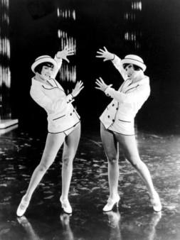 King of Jazz (1930) Sisters G (Gutchrlein)-1
