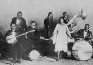 Clarence Williams and his Orchestra-1925-with 2 members cropped out