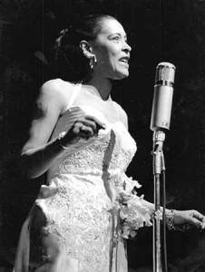 Billie Holiday, Olympia in Paris, 12 November 1958 (2,sm)