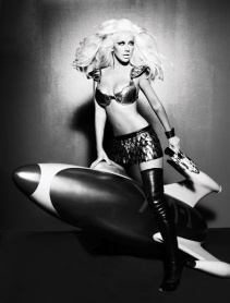 christina_aguilera_starship trooper-1