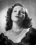 Jo-Stafford-Singing