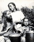 eden ahbez with wife Anna and son Tatha Om (Zoma)-3