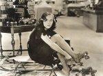 Paulette Goddard-36-Modern Times-rollerskates-1