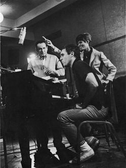 Burt Bacharch-Hal David-Dionne Warwick in studio (1)-f14