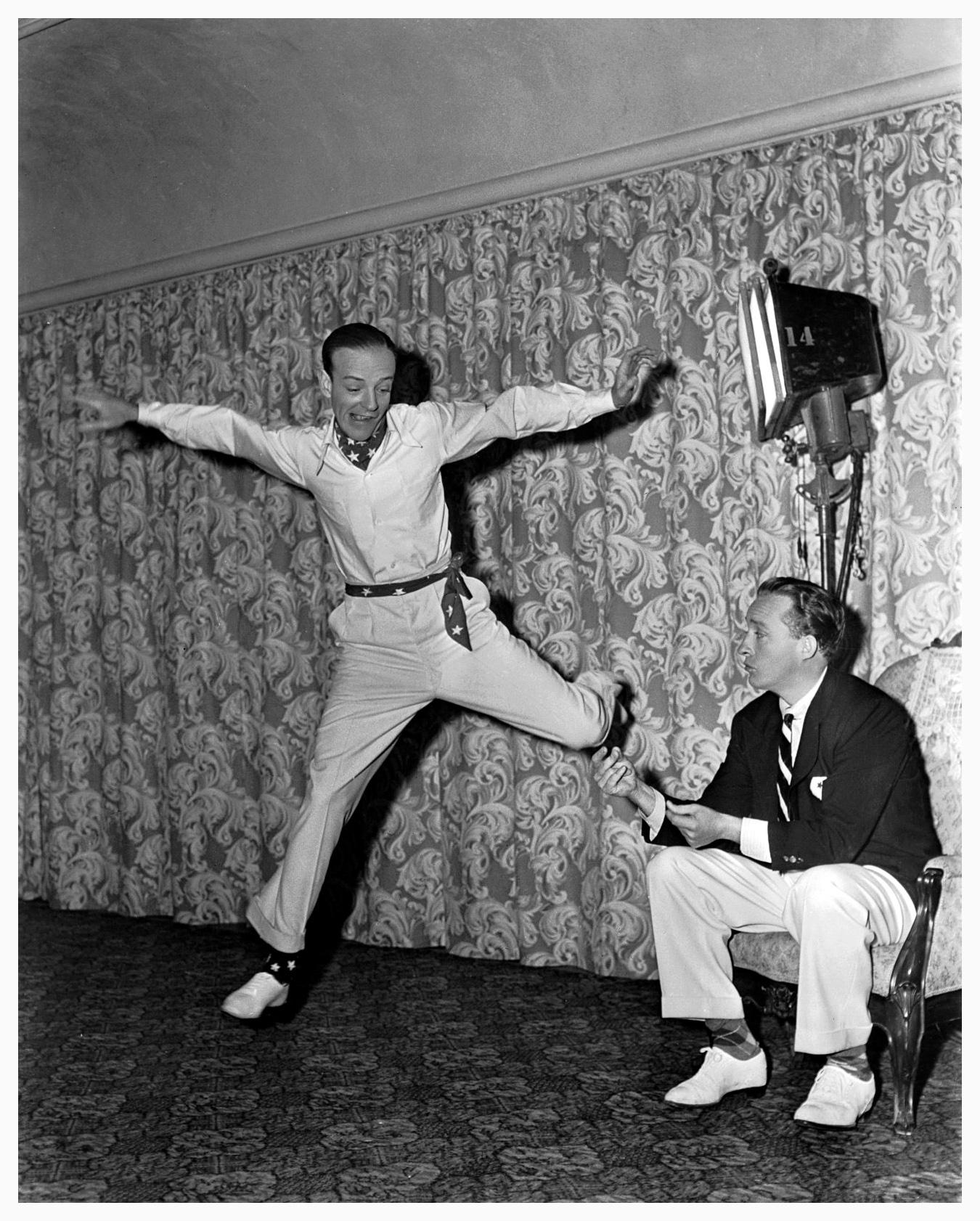 Blue Skies (1946) - Bing Crosby, Fred Astaire