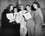 Andrews Sisters and Bing Crosby_with Irving Berlin_1947_promote _Freedom Train_1_f10