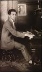 Irving Berlin_c.1913 at piano_1