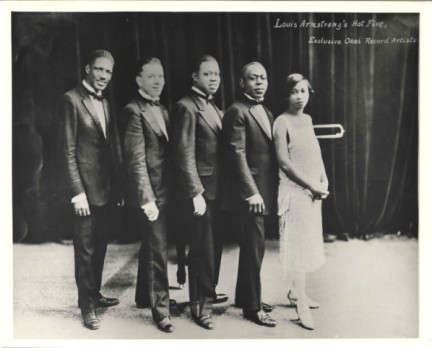 Louis Armstrong and his Hot Five (c.1925) from left_Johnny St. Cyr, Kid Ory, Louis Armstrong, Johnny Dodds, Lil Hardin-Armstrong_01_hx15