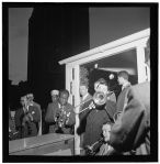 Louis_Armstrong_and_Jack_Teagarden,_between_1938_and_1948_(William_P._Gottlieb_09591)