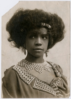 Aida Overton Walker, c. 1906, Abysinnia costume one, closeup (1b)