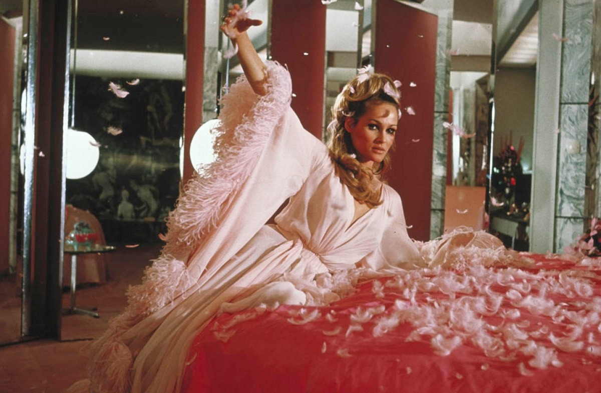 ursula andress casino royale