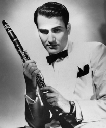 Artie Shaw_white jacket_1