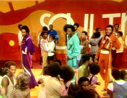 Delfonics perform Didn't I Blow Your Mind on Soul Train, 1971 (1)