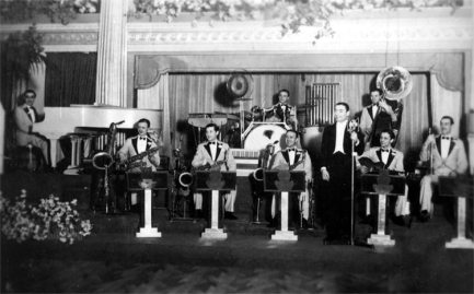 Joe Loss & the Harlem Band-at the Kit-Cat Restaurant in London-1932-33