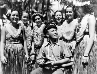1937-Waikiki-Wedding-Bing-Crosby-and-dancers