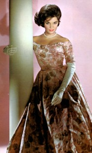 Connie Francis-gloves (1)