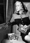 Deanna Durbin in Lady on a Train(1945)-2