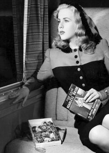 Deanna Durbin in Lady on a Train (1945)-2