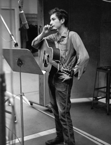 Bob Dylan in studio, 1963 (1-75p)