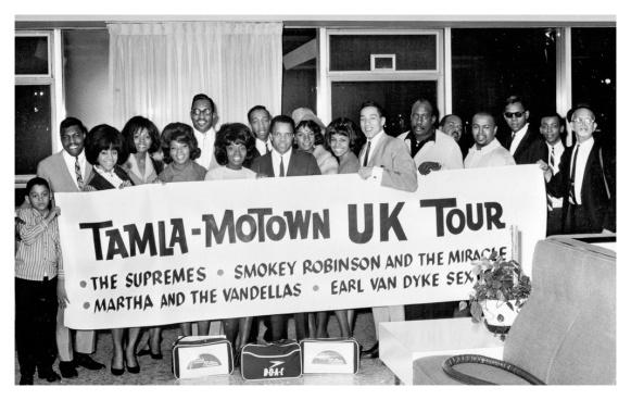 tamla-motown-uk-tour-detroit-departure-1a