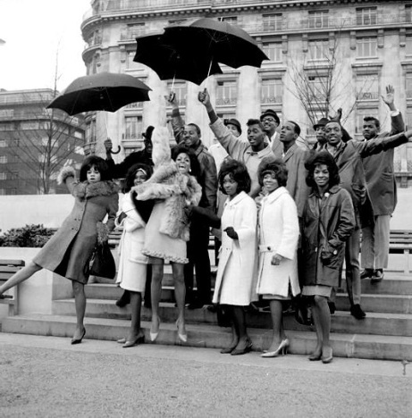 Motortown Revue, London, group photo on steps beside Marble Arch (1a)